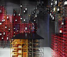 idée rangement bouteille simple, beau et pratique (Weinhandlung Kreis by Furch Design and Production)