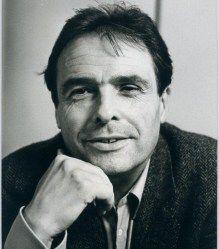 textos mil de Bourdieu http://www.geledes.org.br/18-livros-de-pierre-bourdieu-para-download-gratuito-21-artigos-sobre-sua-obra/#gs.LdgujHU