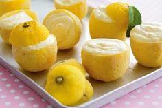 Zitroneneis in der Zitrone