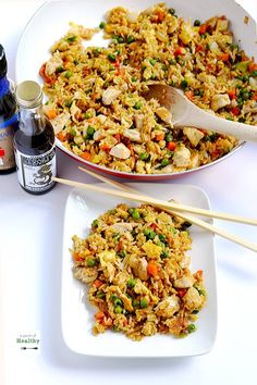 Skip+the+takeout+and+make+this+easy+chicken+fried+rice+at+home.+It's+a+simple+weeknight+dinner+that's+so+budget+friendly,+and+it's+a+real+crowd-pleaser!+|+APinchOfHealthy.com
