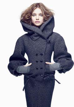 Natalia Vodianova by Craig Dean for Vogue Japan. I love this coat Look Fashion, High Fashion, Winter Fashion, Womens Fashion, Japan Fashion, Looks Style, My Style, Check Coat, Natalia Vodianova