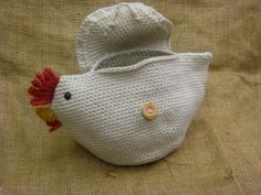 Crochet Chicken Clutch - i am silly enough that i would use this as a coin purse. tee heee