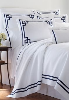 Bespoke bed linens by Léron. Surf bed linens from the Graphique collection.