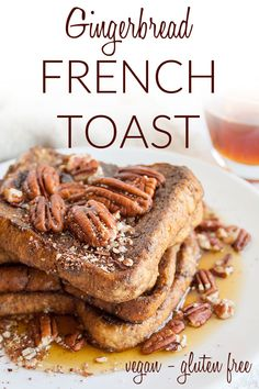 Gingerbread French Toast (vegan, gluten free) - You're going to want to add this sweet French toast to your holiday menu! It's tradition worthy for sure. Vegan Dessert Recipes, Vegan Breakfast Recipes, Best Breakfast, Snack Recipes, Vegan French Toast, Vegan Gingerbread, Spiced Pecans, Vegan Christmas, Appetizers For Party