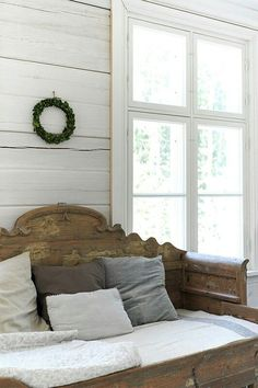 Vintage French Soul ~ This Ivy House Estilo Cottage, Ivy House, Farmhouse Chic, Country Decor, Country Bench, Interiores Design, Cottage Style, Decor Styles, Decoration