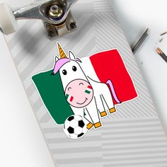 Einhorn Violetta spielt Fußball für Mexiko von Peter Knoll Playing Cards, Sticker, Games, Saint Name Day, School Leaving Certificate, Gifts For Girls, Mexico, Unicorn, Football Soccer