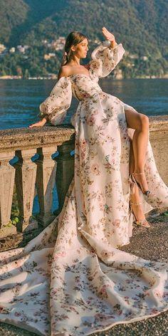 Wedding Dresses Ball Gown Plus Size Hottest Wedding Dresses Collections for best wedding dresses off the shoulder floral white monique lhuillier Ball Gowns Evening, Ball Gowns Prom, Ball Gown Dresses, Prom Dresses, Formal Dresses, Flowy Dresses, Bridal Dresses, Evening Dresses, Bridesmaid Dresses