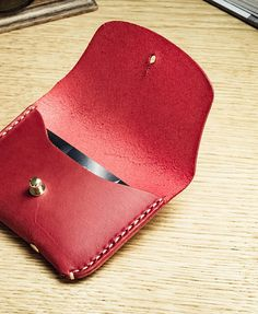 Leather credit card wallet/ Card case /Card holder/ Slim Card Case Classy style of leather credit card wallet. It is completely hand stitched, made of vegetable tanned cowhide leather,which will be beautifully age and naturally darken by sunlight. It will become your one of a kind