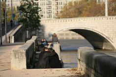 ouh!! les amoureux... Pont des soupirs!! Lyon france by dimarcantonioeric, via Flickr