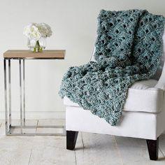 Crochet Seashell Blanket | Click here for the FREE pattern
