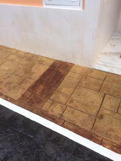 Pavimento de porche de casa particular en hormig n estampado en piedra con ankare zaline corcho - Pavimento de corcho ...