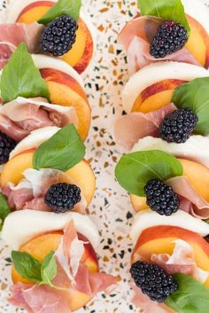 Try this peach and prosciutto caprese salad recipe with a blackberry balsamic reduction. Fruit Recipes, Appetizer Recipes, Salad Recipes, Cooking Recipes, Healthy Recipes, Fruit Appetizers, Caprese Salat, Caprese Salad Recipe, Fancy Salads