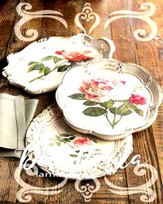 old serving trays with chalk painted and decoupage details Fun Crafts, Diy And Crafts, Arts And Crafts, Paper Crafts, Decoupage Art, Decoupage Vintage, Vintage Crafts, Painted Trays, Chalk Paint