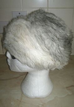 Ladies Vintage Cream & Grey Modacrylic Faux Fur Hat Size 57cms Circumference