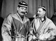 ☭⚑✭The Soviet Broadcast✭⚑☭ Franklin Expedition, Joseph Stalin, Fidel Castro, Rare Photos, Portrait, Communism, Wwii, Photographs, Socialism
