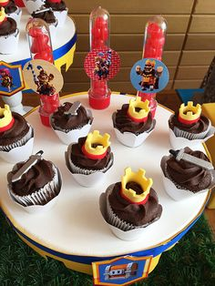 Clash Games provides latest Information and updates about clash of clans, coc updates, clash of phoenix, clash royale and many of your favorite Games Torta Clash Royale, Chocolate, Royal Party, Super Mario Party, Video Game Party, Cupcakes, 10th Birthday, Birthday Ideas, Clash Of Clans