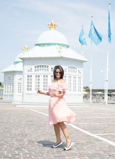 Fit in Clouds, Foldable flats, copenhagen, what to do in copenhagen, pink dress, giveaway, girl problems