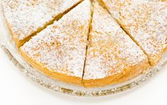 This week's recipes are dedicated to the Pan di Spagna (Sponge Cake) - it's a versatile Italian cake recipe which can be used as a base or eaten alone! Christmas Lunch, Christmas Baking, Christmas Recipes, Croatian Recipes, Italian Recipes, Sweets Recipes, Lunch Recipes, Desserts, Cypriot Food