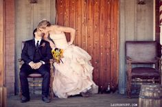 Pioneertown wedding photography, Joshua Tree Weddings, Pappy and Harriet's Wedding Location | Southern California wedding photographer Laure...