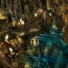 Visita Guiada a la #Gruta de las Maravillas #Aracena #TurismoCultural #EscapadaCultural #GrutaDeAracena #GrutaDeLasMaravillas @Turismoaracena @DipuHU @huelvaturismo @TurismoDeporAND @AndaluciaTuCult http://arqueotrip.com/producto/visita-guiada-a-la-gruta-de-las-maravillas/