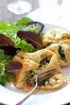 Chicken Spinach and Artichoke Puff Pastry Parcels are elegant and perfect for any spring occasion! Made with frozen puff pastry for ultimate ease! Fish Recipes, Appetizer Recipes, Whole Food Recipes, Chicken Recipes, Snack Recipes, Cooking Recipes, Pastry Recipes, Appetizers