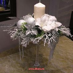 Christmas Candle Centerpieces, Christmas Flower Arrangements, Silver Christmas Decorations, Christmas Flowers, Christmas Candles, Christmas Love, Christmas Design, Christmas Projects, Floral Arrangements