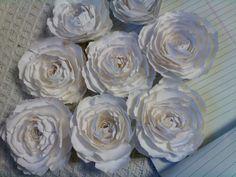 OMG My DIY Wedding: Easy Paper Flower Tutorial