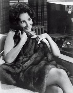 Elizabeth Taylor in Butterfield 8 Old Hollywood Stars, Old Hollywood Glamour, Golden Age Of Hollywood, Vintage Hollywood, Classic Hollywood, Elizabeth Taylor, Queen Elizabeth, Marlene Dietrich, Brigitte Bardot