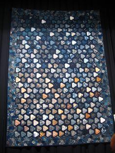 Indigos japonais par Shizuko Kuroha | by Julietje Japanese Quilts, Japanese Fabric, Asian Quilts, Crazy Patchwork, Shizuoka, Quilt Designs, Taupe, Indigo, Sewing Patterns