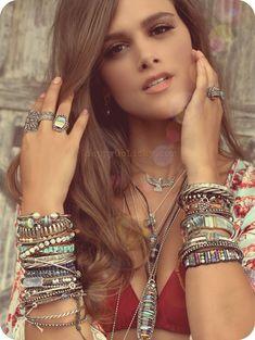 Women Elegant Gold Bracelet with Black Beads Birthday Gift Idea for Girls Handmade Rustic Golden Jewelry Simple Boho Bracelet