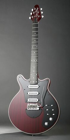 Brian May Signature Guitar. Simply Beautiful!