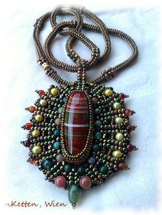 "InKetten: Bead Embroidery, ""Agate"" - Pendant"