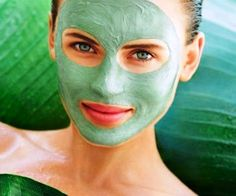 Tea Tree Mask: Tea tree oil is known to be antibacterial in nature thus considered effective for acne spots. Tea tree oil facial mask helps you get rid of redness and scars. Tea tree oil is quite concentrated so it is best to mix it with witch hazel. Tea Tree Oil Uses, Tea Tree Oil For Acne, Tea Tree Mask, Beauty Secrets, Beauty Hacks, Beauty Tips, Natural Acne Remedies, Acne Spots, Ancient Beauty
