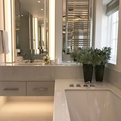"807 Likes, 11 Comments - Laura Hammett - Interiors (@laurahammett.interiors) on Instagram: ""Shooting the bathroom at our Holland Park project #interiorarchitecture #interiordesign…"""