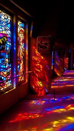 Vitraux de la basilique de Kerizinen. (Windows of the basilica Kerizeinen)  Love the stained glass reflective sunlight shadows!