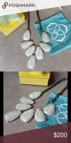 Kendra Scott Harlow in white banded agate NWT. Beautiful Harlow in white banded agate stone. Goes with everything! Never been worn! Comes with bow, box, and dust bag! Make me an offer I can't resist. Kendra Scott Jewelry Necklaces