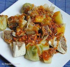 Dalam masakan Indonesia terdapat berbagai jenis variasi siomai berdasarkan daging untuk isi, mulai dari siomai ikan tenggiri, ayam, udang, kepiting, atau campuran daging ayam dan udang. Bahan untuk isi dicampur dengan sagu atau tapioka. Siomai juga tidak lagi dibungkus dengan kulit dari tepung terigu.