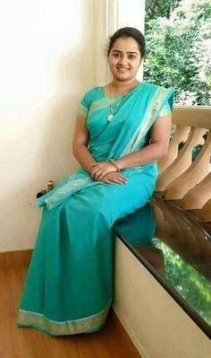Sea homely Kannada wife in green saree Beautiful Women Over 40, Beautiful Girl In India, Beautiful Muslim Women, Most Beautiful Indian Actress, Beautiful Saree, Beautiful Babies, Beauty Full Girl, Beauty Women, Dd Girls