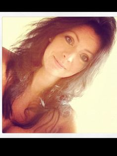 Let's get it right, children This is Gemma Styles, Harry's sister; This is his mum, Anne Twist. Not Styles. Harry Styles, Gemma Styles, One Direction News, One Direction Pictures, Anne Cox, Best Song Ever, Perfect Boy, Lady And Gentlemen, Hair Day