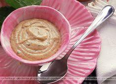 Marynata Jogurtowa Do Mies:  300 ml jogurtu naturalnego ½ łyżeczki mielonego imbiru 2 łyżeczki ostrej mielonej papryki 1 ząbek czosnku 2 liście laurowe 6 ziarenek pieprzu łyżka koncentratu pomidorowego starta skórka z cytryny sól pieprz