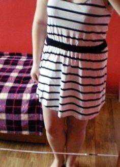 Kup mój przedmiot na #vintedpl http://www.vinted.pl/damska-odziez/krotkie-sukienki/12661290-sukienka-biala-w-paski-krotka-uniwersalna-na-gumce