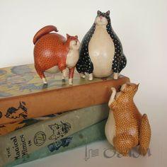 Primitive Folk Art Alebrije Cat Gourd Sculpture by mamagourds Decorative Gourds, Hand Painted Gourds, Paper Clay, Sculptures Céramiques, Sculpture Art, Cat Crafts, Arts And Crafts, Primitive Folk Art, Gourd Art