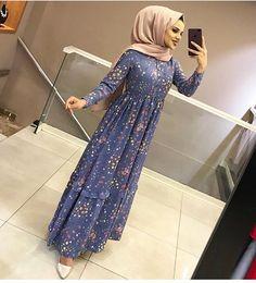 Frock Fashion, Abaya Fashion, Fashion Dresses, Dress Outfits, Islamic Fashion, Muslim Fashion, Modest Fashion, Abaya Mode, Mode Hijab