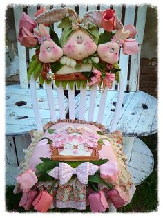 chair seat and back cover Hobbies And Crafts, Crafts To Make, Home Crafts, Easy Crafts, Sewing Crafts, Sewing Projects, Christmas Chair, Some Bunny Loves You, Victorian Dolls
