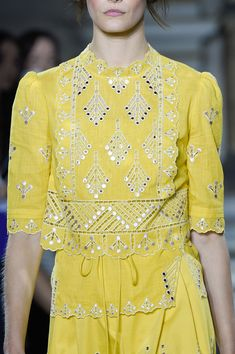 Temperley London at London Fashion Week Spring 2016 - Details Runway Photos Stylish Dress Designs, Dress Neck Designs, Stylish Dresses, Simple Pakistani Dresses, Pakistani Dress Design, Embroidery On Clothes, Embroidery Fashion, Kurta Designs, Blouse Designs