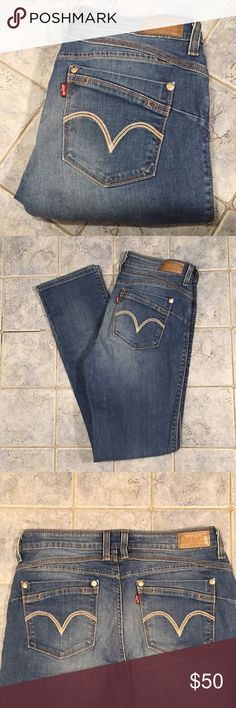 Levi jeans size 8 super sexy  / Levi's These are a super sexy Levi jeans size 8m  or 29 waist 32 length   The button in the front is gold and it says Levi's in the middle The style of these jeans are flatters& flaunts skinny leg in excellent condition have some stretch Levi's Jeans Skinny