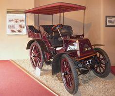 1900 Daimler Mail Phaeton.  Der 1900 Daimler Mail Phaeton wurde in den Jahren 1977-1979 vom National Motor Museum anlässlich des Silbernen Jubiläums der Königin aufwendigst restauriert.