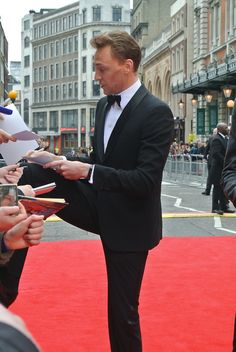 #TomHiddleston | at The Laurence #Olivier Awards 2013, The Royal Opera House, Covent Garden in London, UK (April 28, 2013)