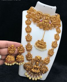 shipping extra Direct message for place the Online payment Shipping 100 all India World wide available Gold Temple Jewellery, Fancy Jewellery, Gold Jewellery Design, Gold Jewelry, Saree Jewellery, Designer Jewellery, India Jewelry, Gold Necklaces, Silver Bracelets