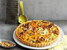 Süßkartoffel-Walnuss-Tarte Sweet potato and walnut tart and other recipes discover DasKochrez Salmon Recipes, Veggie Recipes, Vegetarian Recipes, Cooking Recipes, Slow Cooker Recipes, Grilling Recipes, Quiche Recipes, Sweet Potato Recipes, Other Recipes